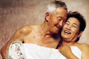 老人的颗体性生活�_中老年人性生活困扰怎么办
