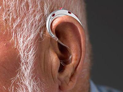 老人助听器的日常保养知识