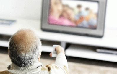 老年人看电视注意事项