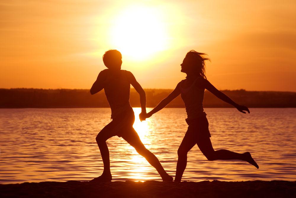 海滩情侣背景素材