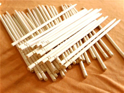 使用一次性筷子的危害是非常多的