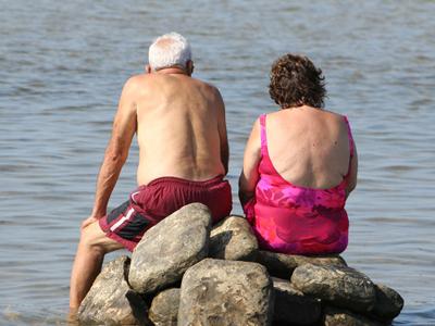 老年人游泳注意六方面