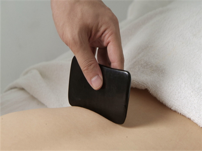 腹部刮痧方法图解