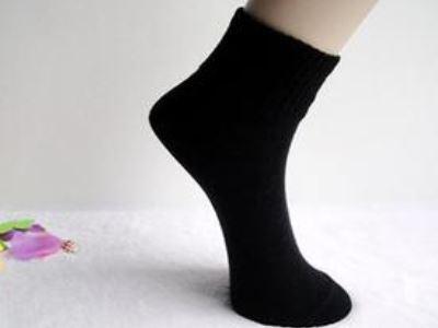 穿袜细节体现出男人的品味