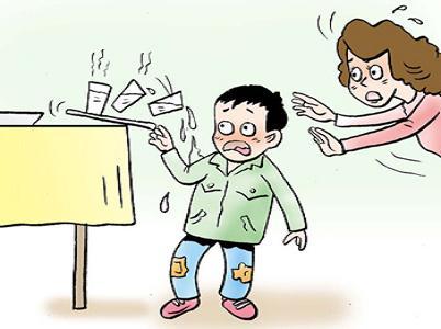 日常生活中,小朋友很可能一不小心就接触到高温物品,比如开水,烫锅
