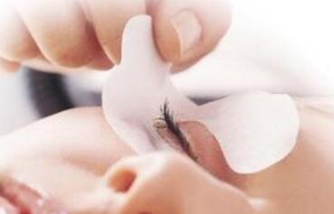 眼部肌肤护理的最佳方法