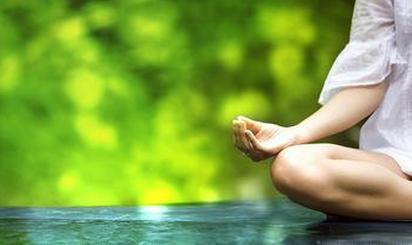 适合夏天做的7种瑜伽