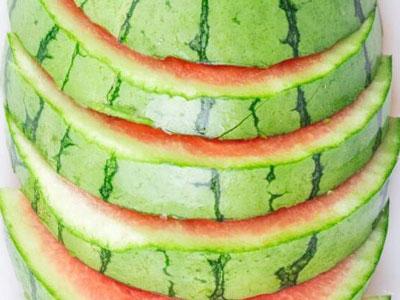 高温天气防中暑西瓜皮的食疗方