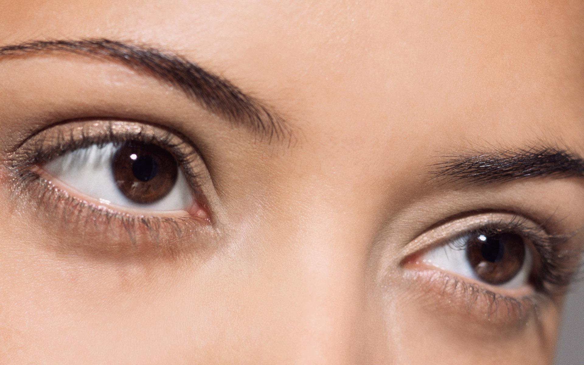 韩式三点法实际上就是小切口双眼皮