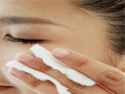 生活中应该怎么治疗汗斑