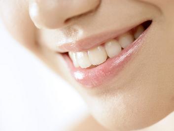 如何保护牙齿健康 茶水漱口清除牙垢