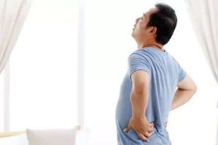 男人腰酸痛��因素要重�