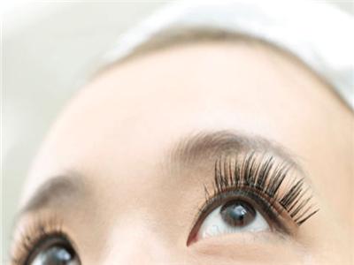 医学美容--女人应如何对抗面部衰老