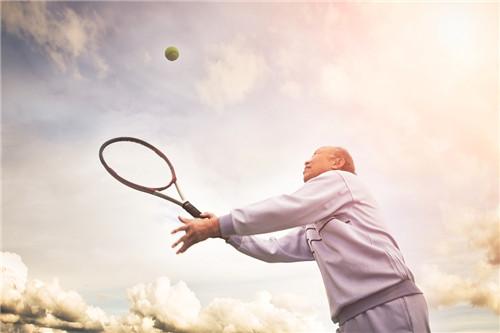 老年人可以试试看这样的按摩法?
