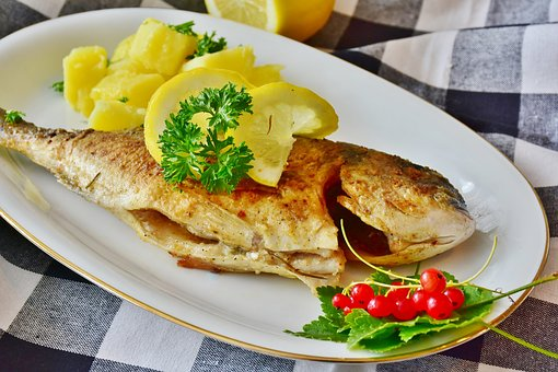 老年人更易患高血脂 远离高血脂多吃这些食物