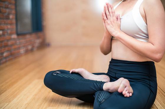 老年人如何练习瑜伽方法