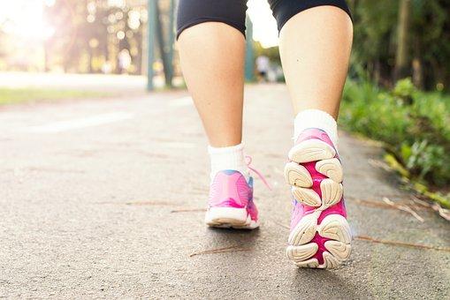 产后女人需控制饮食 肥胖是一种健康威胁