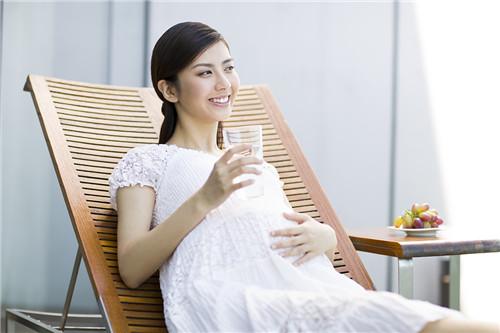 新生儿四大身体部位越丑 孩子越健康